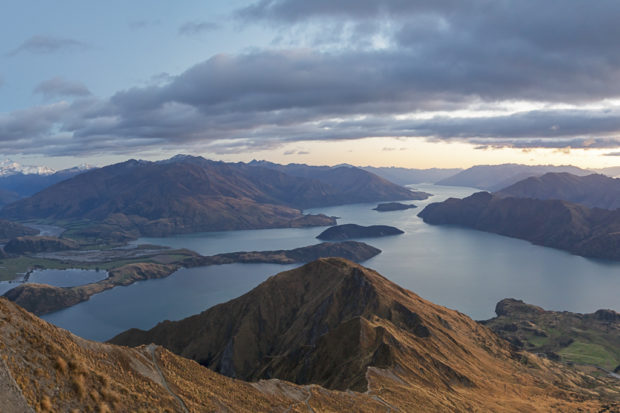 Wanaka New Zealand at dawn