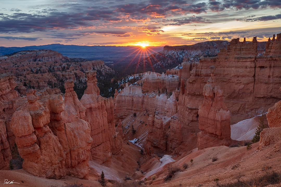 photo of a sunrise over Bryce Canyon national park